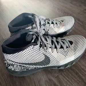 Nike Kyrie men's size 10